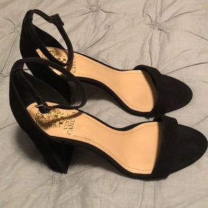 Women's 9.5 Vince Camuto black heeled shoes